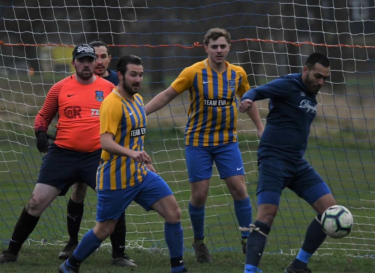 WEEK 16 REVIEW: Round-up of Sunday's league and cup action